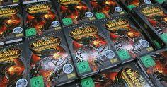 """Cómo subir a equitación en """"World of Warcraft"""". Desbloquear la equitación en World of Warcraft requiere un nivel mínimo de 20 y te permite navegar en una montura, lo que te permite viajar más rápidamente que caminar. Entre más alta sea tu equitación, más dinero te costará entrenar y más rápido irá tu montura. Las monturas voladoras se vuelven disponibles hacia el final del juego, las que no ..."""