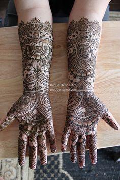MEHENDI: hands