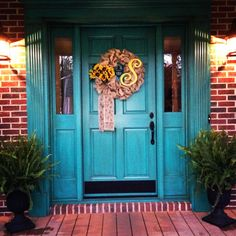 Ideas For Teal Front Door Brick House Entrance Teal Front Doors, Best Front Door Colors, Front Door Entrance, Painted Front Doors, House Front Door, Front Door Decor, Entry Doors, Entrance Ideas, House Entrance