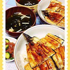 鰻を頂きました 丑の日に食べれなかったので 嬉しい~ 鰻丼 お吸い物 マグロのコチュジャン和え - 40件のもぐもぐ - うなぎ~ by mame0302