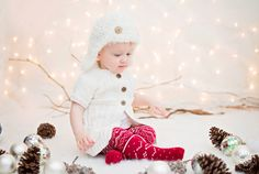 Mia – White Christmas Mini-Session - Seattle Children Photography - Lana Sky Photography. Christmas, holiday, winter picture ideas and inspiration