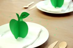DIY easy Paper Apple's, Great idea for any party table deco