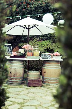 Wedding BAR: Wine barrels, Jar dispensers, Margaritas...