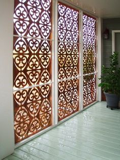 It's great to have wonderful backyard. So here comes the solution; an outdoor privacy screen. You can build your own DIY privacy screen. Decor, Diy Outdoor, Outdoor Rooms, Copper, Trellis, Privacy Screen Outdoor, Garden Privacy Screen, Room Divider, Paneling