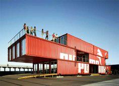 Ein Haus aus Überseecontainern