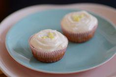 Citronmuffins med blå birkes og citroncreme | Emily Salomon