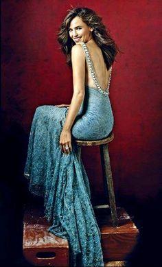 This dress is stunning! Jennifer Garner Elektra, Most Beautiful Women, Beautiful People, Beautiful Celebrities, Emily Osment, Good Looking Women, Diane Lane, Celebrity Babies, American Actress