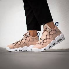 Another One. This Nike Air More Money for Women adds Premium Snakeskin and Splatter Prints to its design. Soon gettable on kickz.com!