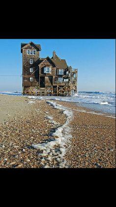 An abandoned house on the sea @freakyabandoned
