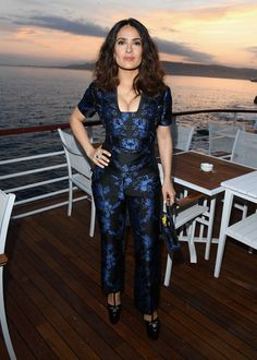 Pin for Later: Seht all' die traumhaften Roben beim Filmfest in Cannes Tag 4: Salma Hayek
