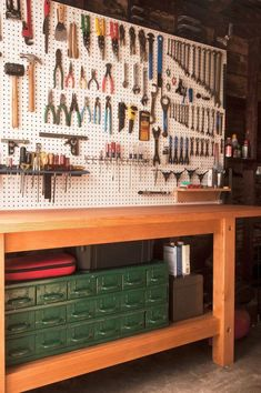Handy people need a garage workbench plans place to work with projects and organize tools. A workbench in the garage is an ideal work Garage Organisation, Garage Tool Storage, Garage Tools, Garage Shop, Organization Ideas, Storage Ideas, Workbench Organization, Garage Bench, Pegboard Garage