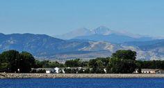 Las montañas que rodean la ciudad de Loveland en Estados Unidos #FelizMartes #DíaDeLosEnamorados