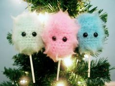 10 Cotton Candy Crochet Patterns including this Cotton Candy Christmas Tree Ornament FREE Crochet Pattern by @twinkiechan