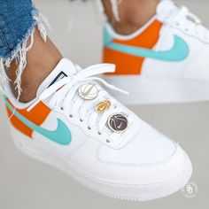 Nike Air Force 1 07 SE sneaker news info exclusive updates Adidas Asics Converse New Balance Nike Puma Reebok Saucony Vans . Tenis Nike Casual, Tenis Nike Air, White Nike Shoes, White Nikes, Orange Nike Shoes, Sneakers Fashion, Fashion Shoes, Fashion Outfits, Nike Shoes Air Force