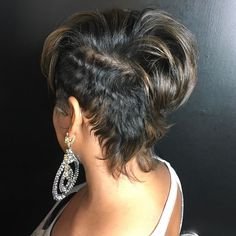 Last weeks model transformation was amazing! Love the look✂ Short Sassy Hair, Long Curly Hair, Short Hair Cuts, Curly Hair Styles, Natural Hair Styles, Pixie Cuts, Dope Hairstyles, Cute Hairstyles For Short Hair, Straight Hairstyles
