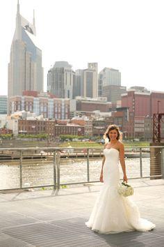 Refined Nashville Wedding | Nathan + Christy photo credit: Elizabeth Looney Photography | The Pink Bride® www.thepinkbride.com