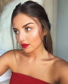 #makeup #beauty #redlip Messy Low Ponytails, Sleek Ponytail, Beauty Make-up, Beauty Hacks, Hair Beauty, Beauty Trends, Make Up Looks, Red Lips Makeup Look, Eye Makeup