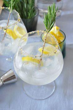 gin daddy: gin, limoncello, lemon juice, honey + seltzer