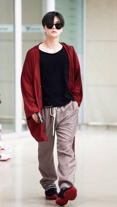 Fashion Idol, Kpop Fashion, Korean Fashion, Airport Fashion, J Pop, Chanwoo Ikon, Kim Hanbin, Bobby, Ringa Linga