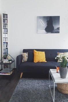 Auf Dem Dunkelblauen Sofa Von Kuechedielebad Auf COUCHstyle Lassen Wir Uns  Gern Nieder! #couch