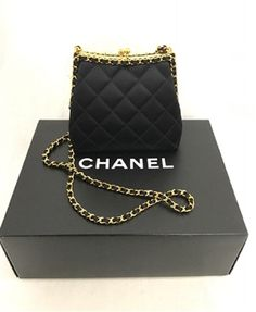 b250b23614c6 CHANEL 1996P RUNWAY LIMITED EDITION CROSS BODY BAG Haute Couture Designers