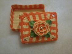 Caixinha em crochê endurecido laranja