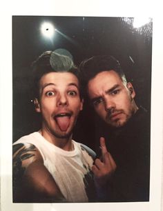 Find images and videos about one direction, niall horan and louis tomlinson on We Heart It - the app to get lost in what you love. One Direction Fotos, One Direction Wallpaper, One Direction Memes, One Direction Pictures, I Love One Direction, One Direction Bedroom, One Direction Party, 0ne Direction, Liam James