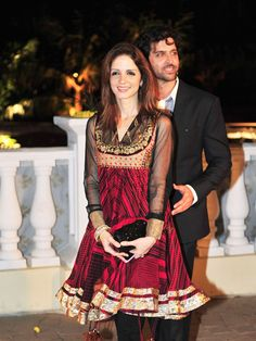 Suzanne Roshan with hubby Hritik at Imran Khan & Avantika's Wedding Reception, 2011
