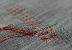 Sashiko embroidery stitch by Mairuru_siesta Running stitches - red thread on heather grey Sashiko Embroidery, Japanese Embroidery, Embroidery Applique, Cross Stitch Embroidery, Embroidery Patterns, Simple Embroidery, Learn Embroidery, Fabric Art, Fabric Crafts