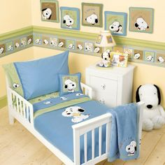 90 stylish baby nursery styles that are comfortable for adorable little babies - Houz on kinal. Baby Snoopy, Snoopy Nursery, Baby Bedroom, Baby Room Decor, Bedroom Decor, Kids Bedroom, Victorian Decor, Crib Bedding, Crib Sheets