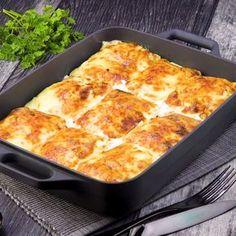 Los crepes de pollo gratinados aguardan bien rellenos. ¡Pégales un gran bocado! #crepes #rellenos #gratinado #horno #crepas #pollo #queso