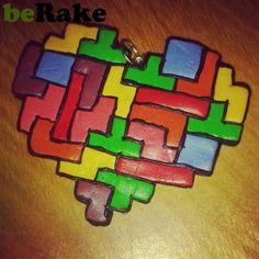 mercedesinfieltrados.berake.com - Vendo Cositas de fimo. colgante de tetris con forma de corazon de fimo. se hacen en los colores que más os gusten bajo pedido. no incluye ga...