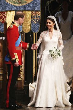 This shot of the Royal Wedding is not as know, but it's soo cute.. ♥ ♥