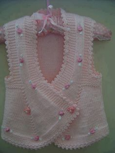 Knitted Boys and Girls Baby Sweater, Vest Cardigan Patterns Knitted Boys and Girls Baby Sweater, Vest Cardigan Patterns Welcome to the knitting vest models gallery. We have created beautiful male baby vest m. Baby Knitting Patterns, Knitting For Kids, Crochet For Kids, Baby Patterns, Hand Knitting, Gilet Crochet, Knit Crochet, Knitted Baby, Knit Baby Dress