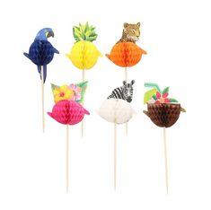 Haal de zomer in huis met deze leuke set van zes honeycomb cupcake toppers. Deze cupcake versiering bestaat uit een papegaai, ananas, luipaard, bloemen, zebra en een kokosnoot.