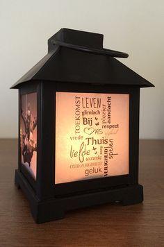 Je eigen foto op een lantaarn of windlicht. Met deze stappen kun je in een korte tijd die saaie lantaarn opvrolijken met een mooie tekst of een leuke foto. Ik leg het je graag stap voor stap uit. Idee Diy, Photo Projects, Wood Projects, Mom Birthday, Diy Candles, Tea Light Holder, Photo Displays, Diy Tutorial, Tea Lights