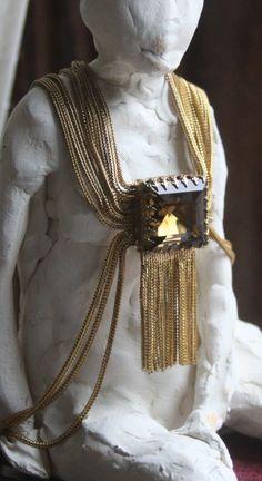 magnificent vintage necklace  agora vintage markette