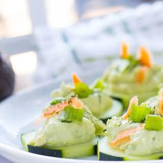 Avocado Tzatziki Cucumber Appetizer is part of Cucumber appetizers Bacon - Avocado Tzatziki Cucumber Appetizer With Cucumber, Avocado, Tzatziki Sauce, Light Cream Cheese, Dill Avacado Appetizers, Bacon Appetizers, Healthy Appetizers, Appetizer Recipes, Healthy Snacks, Easy Party Food, Appetisers, Side Recipes, Clean Eating Snacks