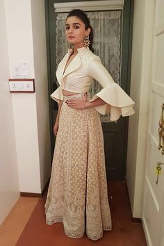 Alia Bhatt in a beige chikankari skirt with a tafeta crop top designed by Sandeep Khosla Crop Top Designs, Blouse Designs, Festival Dress, Festival Outfits, Bridal Flats, Ethnic Looks, Vogue India, Ethnic Outfits, Indian Ethnic Wear