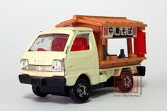 Life With Tomica: 31 : SUZUKI CARRY (1/55)