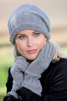 Nordic Yarns and Design since 1928 Knitted Gloves, Knitted Shawls, Scarf Hat, Crochet Fashion, Shawls And Wraps, Beret, Knitting Projects, Knitting Ideas, Hats For Women
