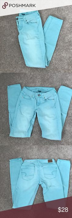 American Eagle Stretch Jeans Light Sky Blue American Eagle Stretch Jeans. In like new condition! Perfect for spring/summer! American Eagle Outfitters Jeans Skinny
