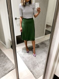 90 Sophisticated Work Attire and Office Outfits for Women to Look Stylish and Chic - Lifestyle State Office Fashion, Work Fashion, Modest Fashion, Fashion Outfits, Fashion Styles, Fashion Fashion, Street Fashion, Fashion Trends, Classy Work Outfits