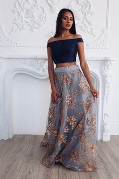 Lehenga Skirts - Lehenga Skirts – The Saree Room Lehenga Designs, Kurta Designs, Indian Wedding Outfits, Pakistani Outfits, Indian Outfits, Indian Reception Outfit, South Indian Wedding Saree, Punjabi Wedding, Indian Lehenga