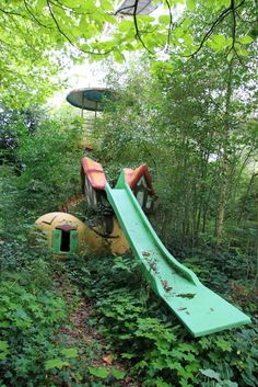 Dadipark - shoe slide in the woods