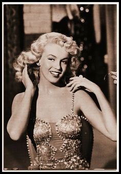 Old Hollywood Actresses, Hot Actresses, Hilario, Marylin Monroe, Norma Jeane, American Actress, My Images, Vintage Photos, Photoshop