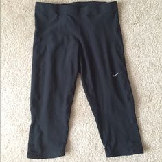 Nike dry fit capris Capris with breathable mesh on the bottom and reflectors. Has drawstring and back pocket dry fit material and come from a smoke free home. Size medium Nike Pants Capris