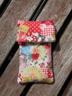 Tutorial funda movil Glasses Case, Ipod, Diy And Crafts, Patches, Gift Wrapping, Quilts, Sewing, Fabric, Projects