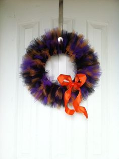 This is my second project of my creative Halloween kick, and don't you just love it... I sure do!  I've seen tulle wreaths as I've scou...