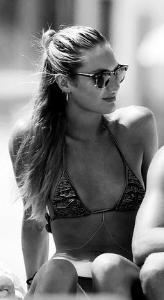 a beach somewhere Sexy Poses, African Models, Trendy Swimwear, Victoria Secret Angels, Candice Swanepoel, Beach Babe, Girl Beach, Summer Beach, Mannequins